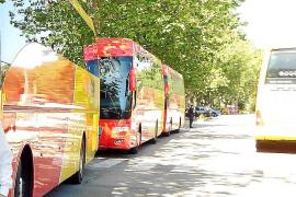 Valldemossa pide, ante las quejas de los usuarios, que el bus pare en la UIB