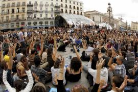 Los congregados en Sol convocan una manifestación para la jornada de reflexión