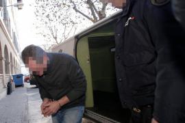 Detienen a un profesor de un centro escolar de Palma acusado de abusar de al menos quince alumnas