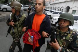 Un español acusado de yihadismo en Filipinas se defiende: «Voy de fiesta, bebo y como cerdo»