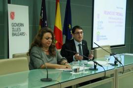 Baleares y Canarias acuerdan hacer un «frente común» para la mejora del empleo en la hostelería