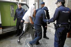 Cárcel para el ladrón que intentó atropellar a dos policías en Consell