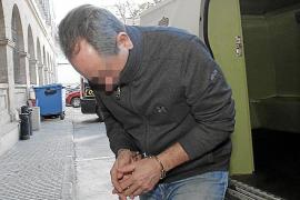 El profesor de un colegio de Palma acusado de abusar de 15 alumnas niega los hechos