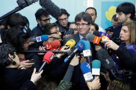 Puigdemont asegura que «no desfallecerá» y llama a superar las dificultades «juntos»