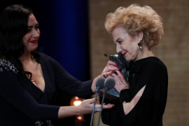 Marisa Paredes reacts after receiving Honorary award next to her daughter Maria Isasiduring the Spanish Film Academy's Goya Awar