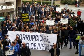El Movimiento 27-N protesta en la Plaça d´Espanya contra la «corrupción judicial»