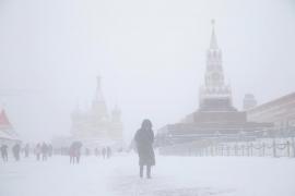 La «nevada del siglo» sepulta Moscú bajo medio metro de nieve