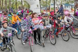 Un millar de ciclistas dan color y vida a la Marcha Cicloturista Popular des Porquet