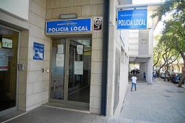 Dos policías denuncian «persecución» por informar del robo de objetos en su cuartel