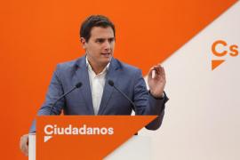 Ciudadanos apuntala su ascenso y da el 'sorpasso' a Podemos, según el CIS