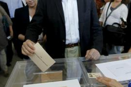 Rajoy confía en una amplia participación porque «la democracia es voto»