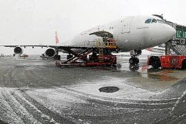 Cuatro vuelos cancelados y retrasos en Baleares por el temporal en Madrid