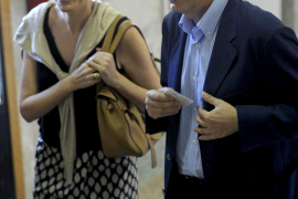 Zapatero y Rajoy recalcan el valor del voto y confían en la alta participación