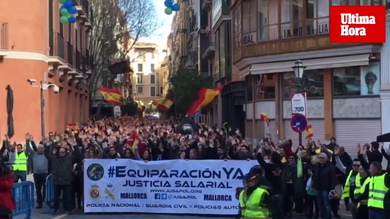 Cientos de policías y guardias civiles claman en Palma por la «justicia salarial»