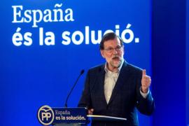 Rajoy enciende la polémica al pedir a los españoles que ahorren para sus pensiones y la educación de sus hijos