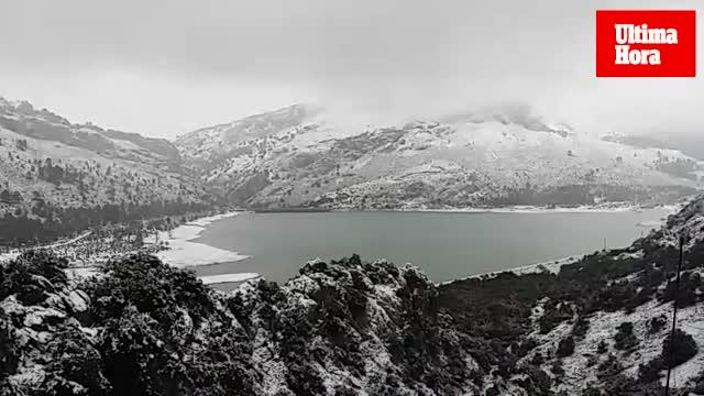 Copiosa nevada en la Serra de Tramuntana