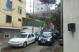 La policía detiene a cuatro personas que intentaban estrangular a su inquilina en Palma