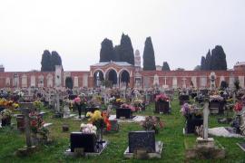 Venecia subasta, a partir de 250.000 €, tumbas en el exclusivo cementerio de San Michele