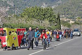 Unas cien personas reclaman la vía verde hasta la estación de Consell