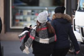 Las temperaturas bajan este lunes en casi toda España, y 21 provincias seguirán en aviso por nevadas, frío y oleaje
