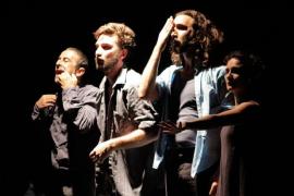 'Frontera', una escenificación del drama de los refugiados, en el Teatre Mar i Terra