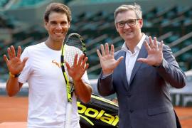 Babolat homenajea los 10 títulos en París de Rafael Nadal con una raqueta que estrenará en Acapulco