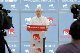 Cayo Lara: «El neoliberalismo del PSOE deja a España teñida de azul»