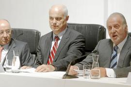 El gobernador del Banco de España insta al Gobierno a reconocer que 'tiene problemas'
