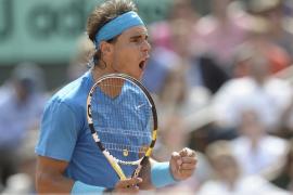 Nadal sufre para vencer a Isner en su debut en Roland Garros