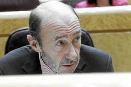 Rubalcaba: «Bildu debe convencer ahora de que ha roto con ETA»