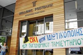 La fuga masiva de capitales agudiza la crisis de Grecia, que se acerca a la quiebra