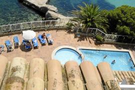 El turista inglés que cayó de un séptimo piso en Magaluf: «Estoy vivo por una hamaca»