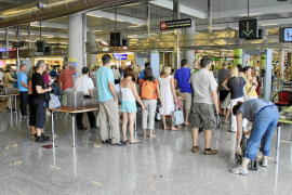 La nube de cenizas volcánicas obliga a cancelar seis vuelos de Balears a Alemania