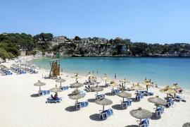 El Ajuntament de Manacor, indignado por la pérdida de cuatro banderas azules en sus playas