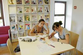 Una nueva biblioteca en Secar de la Real activa la lectura en la barriada