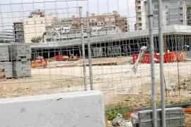 El edificio soterrado de equipamientos de la fachada marítima, listo tras el verano