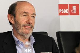Rubalcaba da el sí al PSOE para ganar en 2012 y no para una derrota digna
