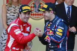 Alonso se sube al podio justo detrás de Vettel