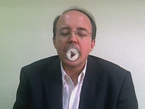 El exdiputado y profesor Luis Àngel Hierro aspira a enfrentarse a Rubalcaba