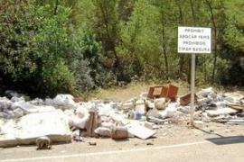 Sin vertidos incontrolados la tasa de residuos urbanos bajaría un 50%