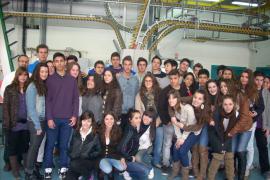 Alumnos de 1º de Bachiller del colegio Ntra. Sra. del Carmen visitan el Grupo Serra y Endesa