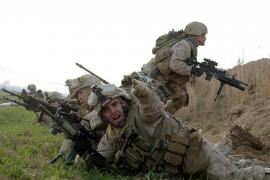 Las tropas de la OTAN toman puestos clave en Afganistán