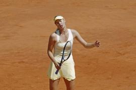 Sharapova se hunde con el saque y Na Li alcanza la final