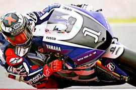 Stoner manda y Lorenzo sufre el dominio de Honda
