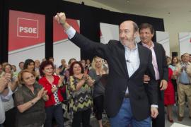 Rubalcaba: «Las autonomías gobernadas por el PP gastaron cuatro veces más que las del PSOE»