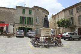La plataforma 29-M recoge firmas para pedir que se retire la estatua de Jaume II