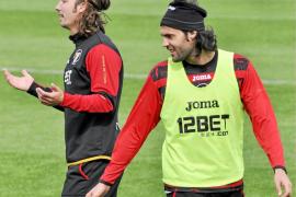 Serra aguarda los descartes del Sevilla y apunta a Alexis y Sánchez