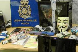 La policía detiene a los principales responsables de 'Anonymous' en España