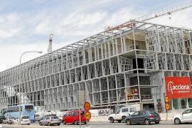 Acciona desoye a Palau de Congresos y mantiene la paralización de las obras