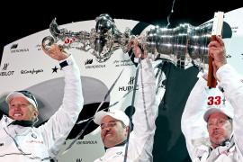 BMW-Oracle devuelve a Estados Unidos la Copa del América quince años después